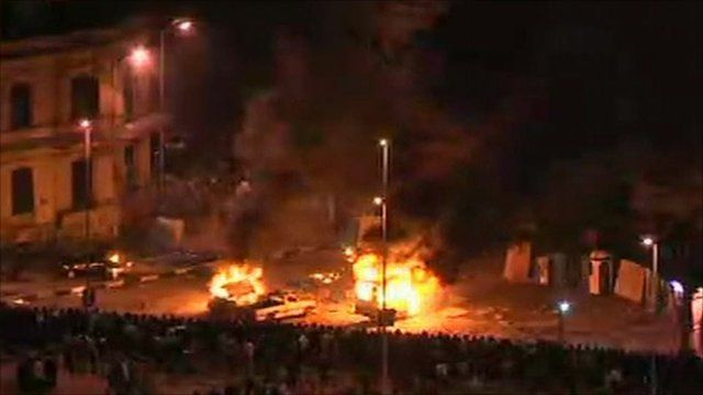 Fires rage in Tahrir Square, Cairo