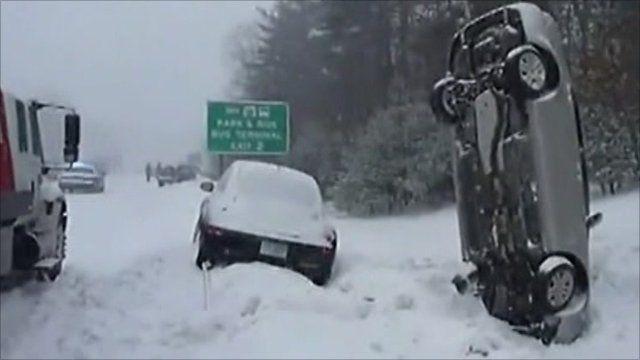 Snow causes traffic mayhem in US