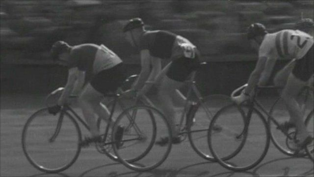 Riders at Herne Hill velodrome in 1946
