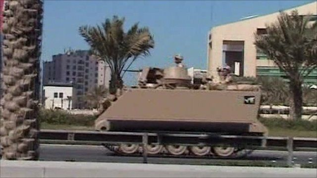 Tank leaves Manama's Pearl Square