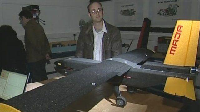 Robot plane