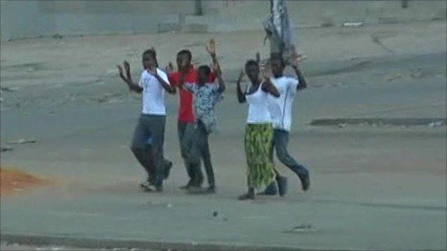 Civilians flee Ivory Coast fighting