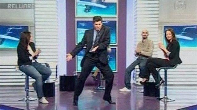 Edmond Talmacean dancing on Romanian television