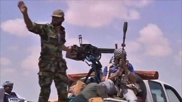Men with heavy weapons in Libya