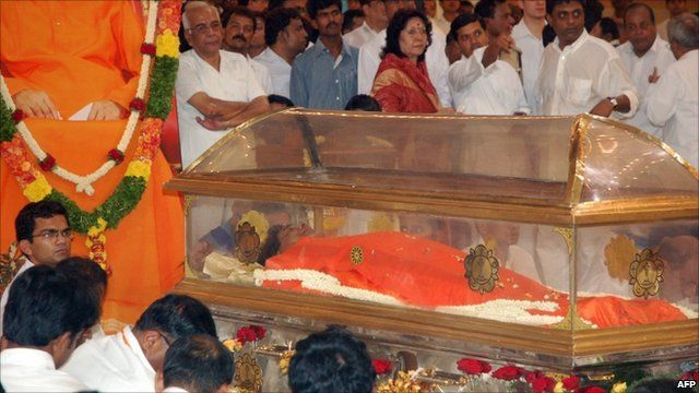 The glass coffin of Sri Satya Sai Baba