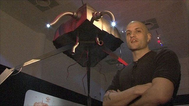 China Mieville and martian tripod