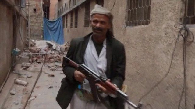 Man with gun in Yemen