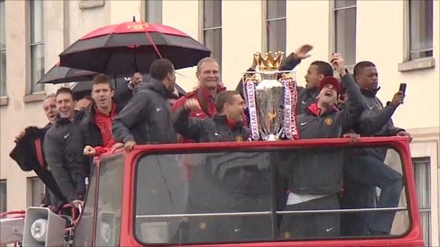 Manchester United on parade bus