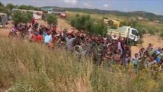 Syrians on the Turkey border