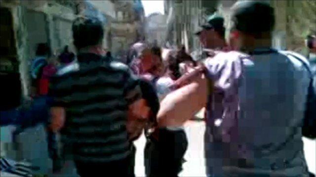 People fee in Homs