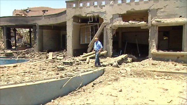 Jeremy Bowen in Libya