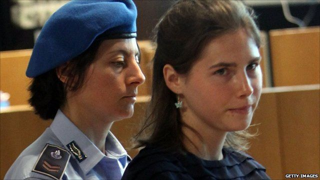 Amanda Knox arriving in court