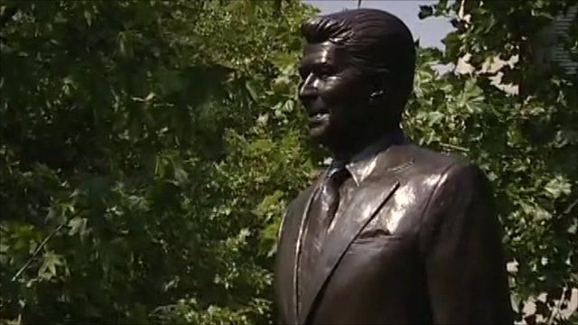 Statue of Ronald Reagan in London