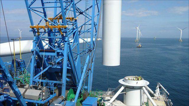 Wind turbine installation on a sea jack