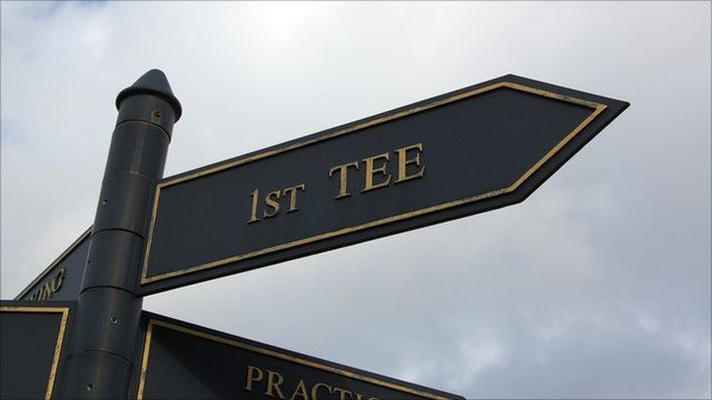 1st tee sign at a golf course
