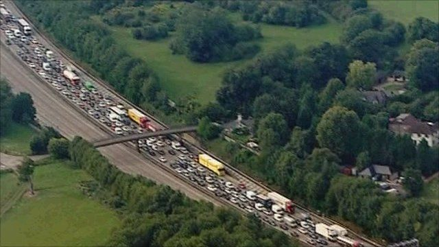 Queuing traffic on M25