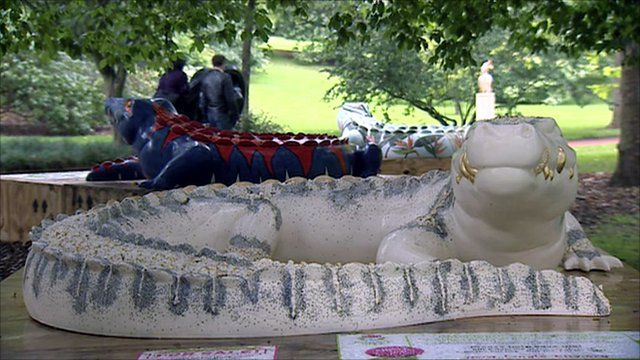 Crocodile statues in Edinburgh