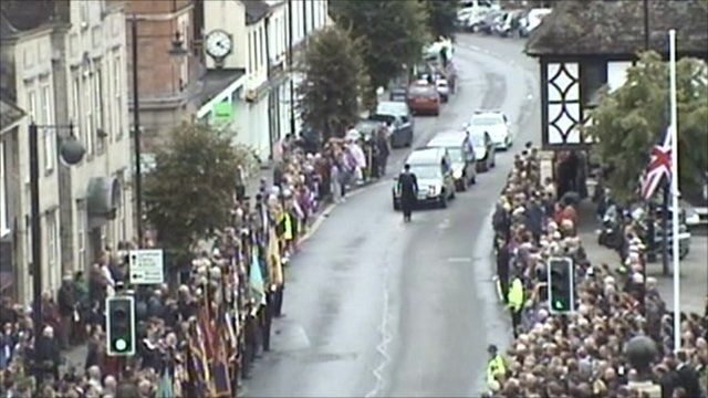 Crowds in Wootton Bassett