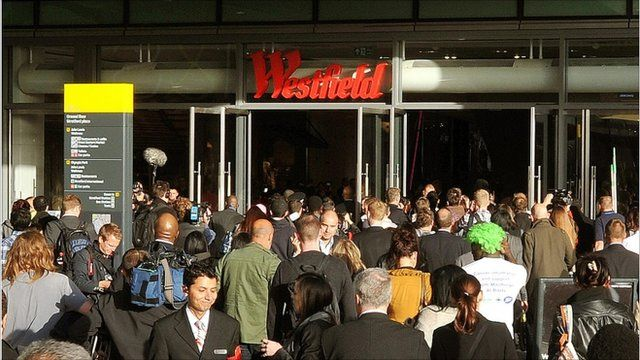 Crowds pour into Westfield shopping centre, Stratford