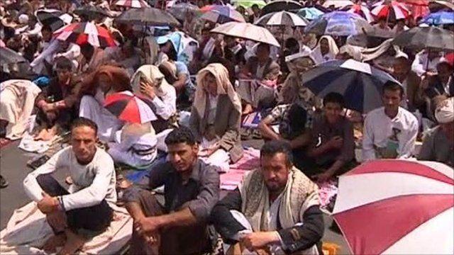 Protesters in Sanna