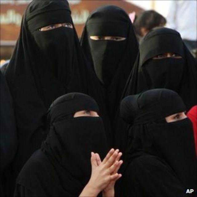 Saudi Arabia women activists urge jail term reversal