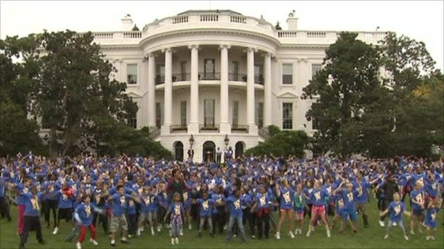 First Lady Michelle Obama and 400 students