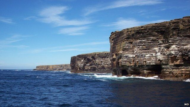 Western cliffs of Stroma (Picture: Mo on Geograph)