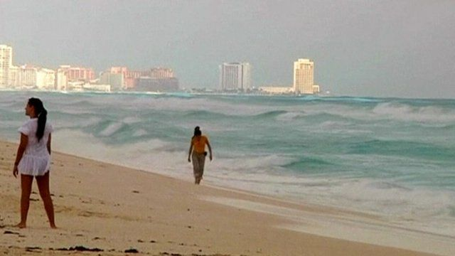 Big waves on Cancun beach