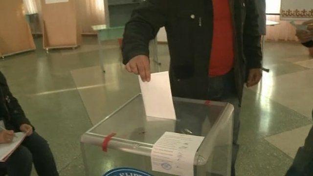 Voter in Bishkek