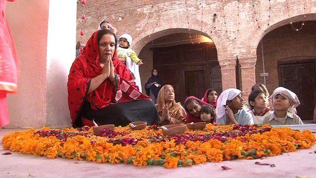 Hindus worship at Peshawar temple