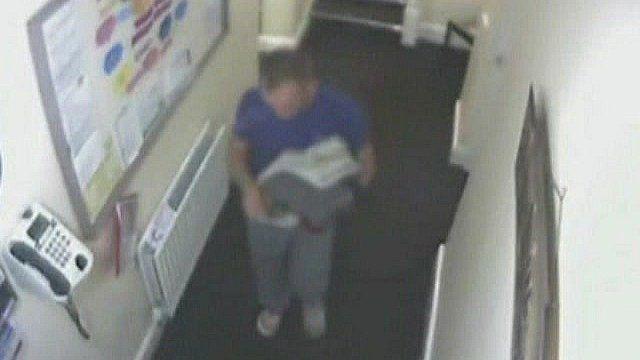 Rapist Mark Jackson taking clothes to nearby laundry