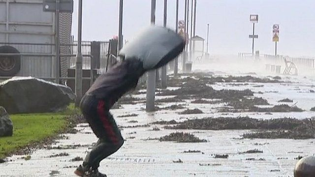 Man leaps into the wind in Helensborough