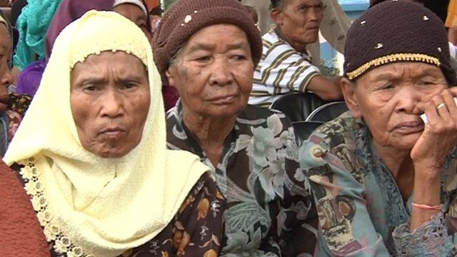 Residents of Rawagede attend the ceremony Balong-sari