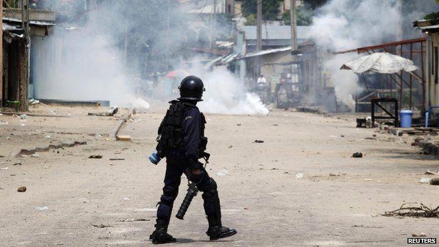 Riot policeman in Kinshasa
