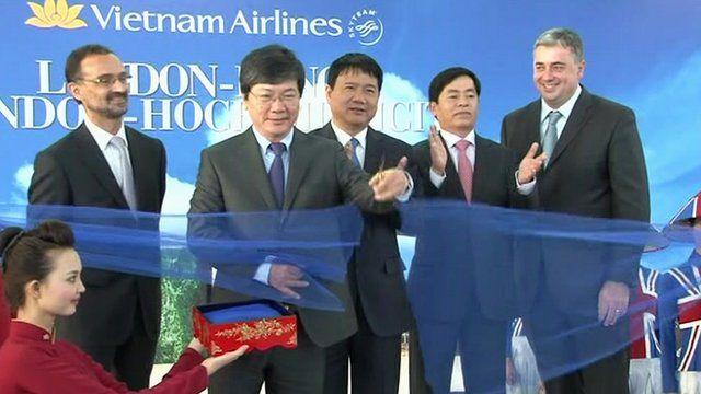 Vietnam Airlines ceremony marking direct flights between UK and Vietnam
