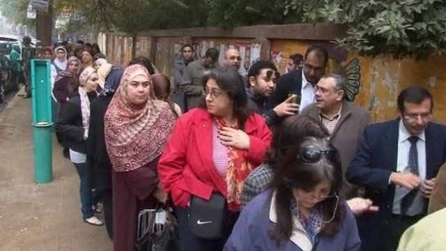 Egyptians waiting to cast their votes