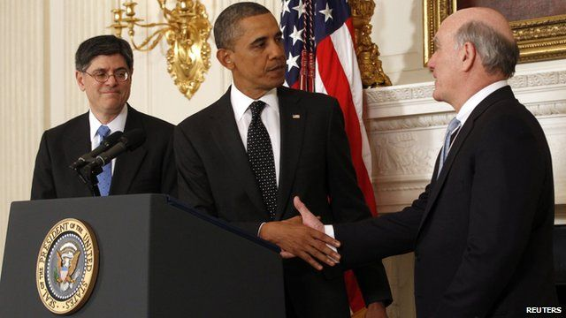 Barack Obama shaking hands with Bill Daley