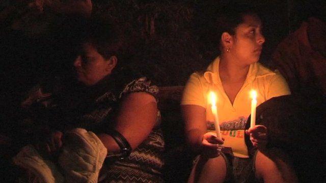 Women waiting outside Comayagua prison