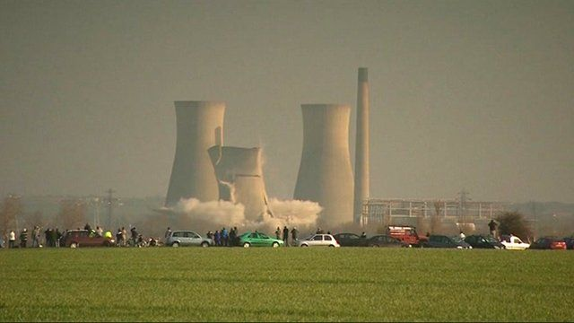 Demolition of the cooling towers