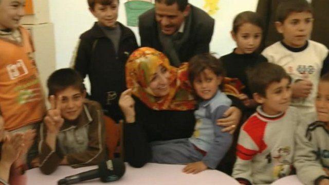 Tawakul Karman with Syrian refugees