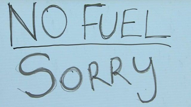 "A sign saying ""no fuel sorry"""