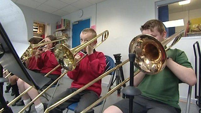 Pupils playing trombones