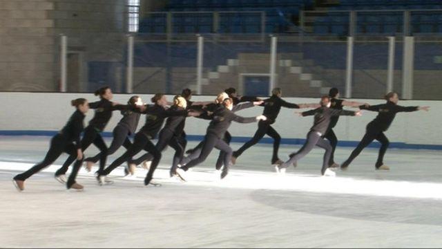 Synchronised skating