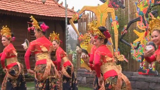 Dancers from Indonesia at the Floriade