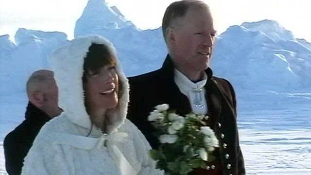 Borge and Hege Ousland marry at the Geographic North Pole