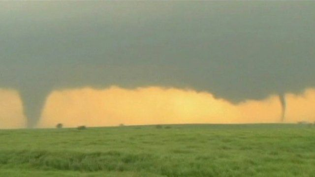 Double tornado in US Midwest