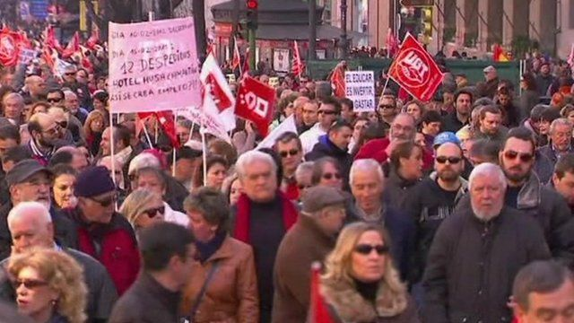 Spaniards on protest march