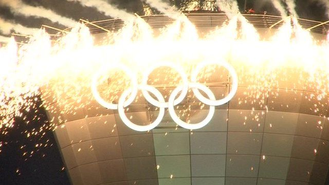 Olympic rings displayed on Birmingham Airport's air traffic control tower