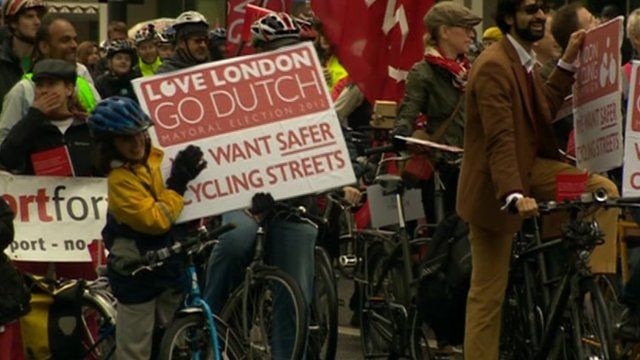 5,000 cyclists take part in rally in London