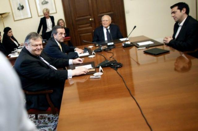Evangelos Venizelos, Antonis Samaras and Alexis Tsipras meet with Greek President Carolos Papoulias.
